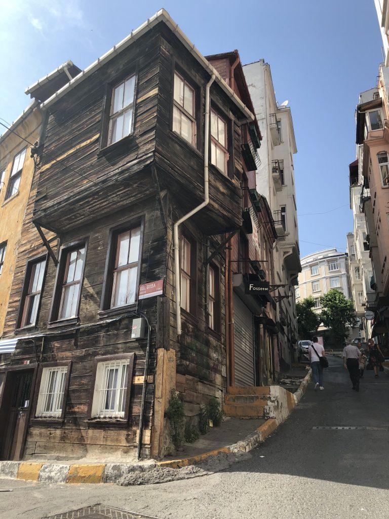 case di legno I quartieri di Istanbul