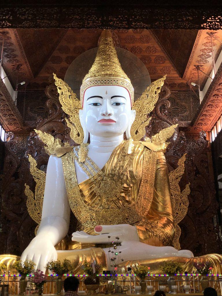 Nga Htat Gyi Paya pagode di Yangon
