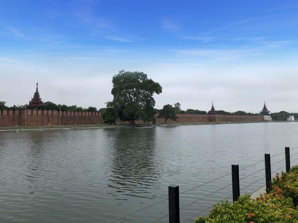 Il fossato del Mandalay Palace