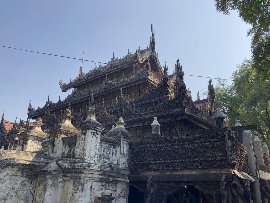 Il monastero Shwenandaw Kyaung o golden Place