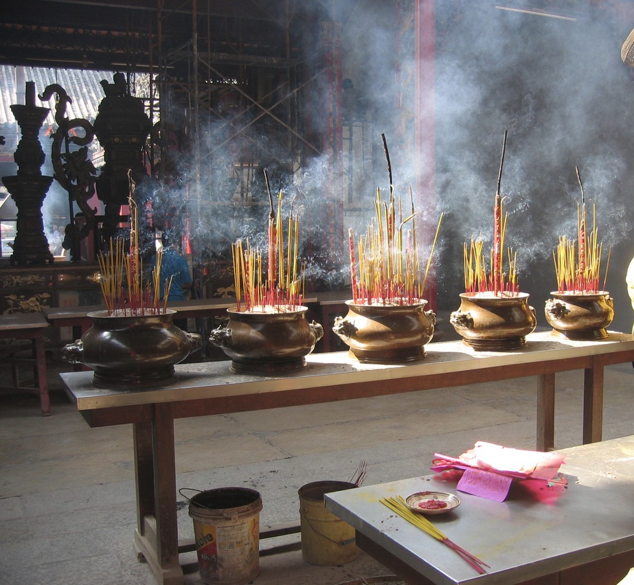 L'incenso nelle pagode vietnamite