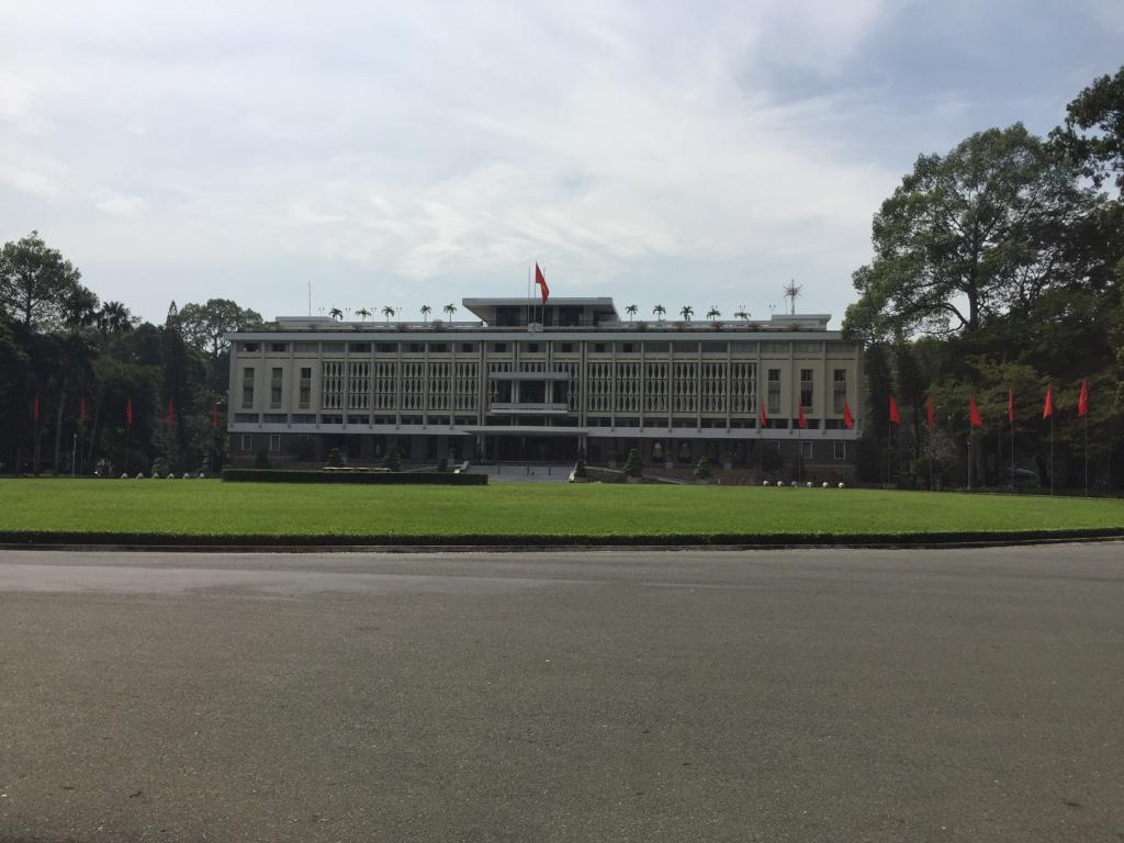 Palazzo della Riunificazione Saigon nei luoghi della guerra del Vietnam