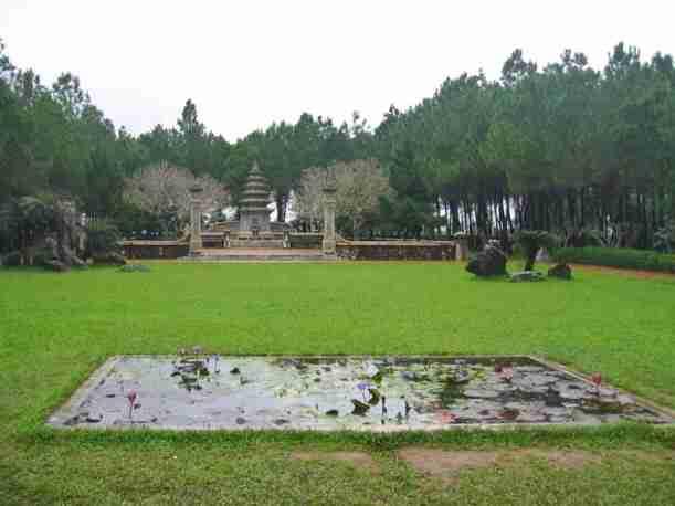 La Thien Mu Pagoda